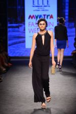 Model walk the ramp for Elle Show on day 3 of Myatra fashion week on 5th Oct 2014 (363)_54313f39a3b78.JPG