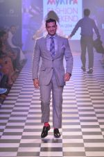 Model walks for Men_s Health show at Myntra fashion week day 2 on 4th Oct 2014 (100)_5430bc29343a8.JPG