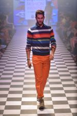 Model walks for Men_s Health show at Myntra fashion week day 2 on 4th Oct 2014 (114)_5430bc7ddca56.JPG
