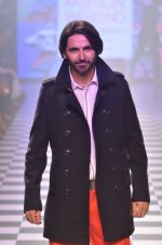 Model walks for Men_s Health show at Myntra fashion week day 2 on 4th Oct 2014 (119)_5430bc953fd4c.JPG