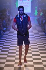 Model walks for Men_s Health show at Myntra fashion week day 2 on 4th Oct 2014 (120)_5430bc9814cd3.JPG