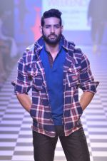 Model walks for Men_s Health show at Myntra fashion week day 2 on 4th Oct 2014 (125)_5430bca8472e8.JPG