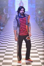 Model walks for Men_s Health show at Myntra fashion week day 2 on 4th Oct 2014 (130)_5430bcb781dcb.JPG