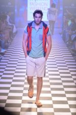 Model walks for Men_s Health show at Myntra fashion week day 2 on 4th Oct 2014 (131)_5430bcba56627.JPG