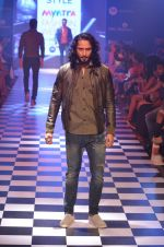 Model walks for Men_s Health show at Myntra fashion week day 2 on 4th Oct 2014 (142)_5430bcdbb59f9.JPG