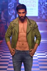 Model walks for Men_s Health show at Myntra fashion week day 2 on 4th Oct 2014 (146)_5430bce851df6.JPG