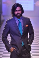 Model walks for Men_s Health show at Myntra fashion week day 2 on 4th Oct 2014 (94)_5430bc0309b0f.JPG
