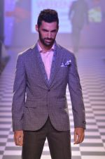 Model walks for Men_s Health show at Myntra fashion week day 2 on 4th Oct 2014 (96)_5430bc0f6be9d.JPG