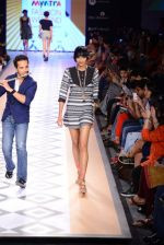 Raghav Sachar walks for Rina Dhaka at Myntra fashion week day 1 on 3rd Oct 2014 (410)_5431271e39500.JPG
