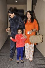 Sushmita Sen snapped with family at PVR on 4th Oct 2014 (13)_5430d62d37640.JPG