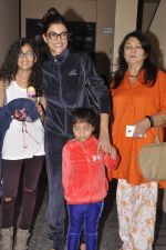 Sushmita Sen snapped with family at PVR on 4th Oct 2014 (18)_5430d64103d08.JPG