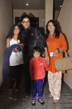 Sushmita Sen snapped with family at PVR on 4th Oct 2014 (19)_5430d64502e8f.JPG