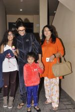 Sushmita Sen snapped with family at PVR on 4th Oct 2014 (20)_5430d648b4716.JPG