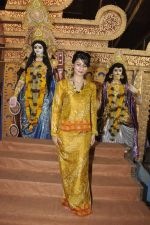 Tanisha Mukherjee at Durga Pooja on 4th Oct 2014 (1)_5430bc2b98df1.JPG