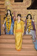 Tanisha Mukherjee at Durga Pooja on 4th Oct 2014 (6)_5430bc576b892.JPG