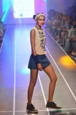 Model walks for HRX at Myntra Fashion Weekend Finale in Mumbai on 5th Oct 2014 (71)_54321f8fcb884.JPG