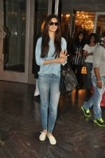 Diana Penty snapped at palladium in Mumbai on 6th Oct 2014 (8)_54336f5f34b81.JPG