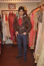Abhimanyu Dassani at Ushma Vaidya presented her festive collection in Dvar, Juhu, Mumbai on 7th Oct 2014 (250)_5434d9bdcfa22.JPG