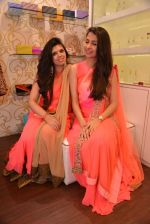 Malvika Raaj at Ushma Vaidya presented her festive collection in Dvar, Juhu, Mumbai on 7th Oct 2014 (375)_5434db7eb9c71.JPG