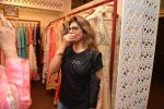 Pinky Roshan at Ushma Vaidya presented her festive collection in Dvar, Juhu, Mumbai on 7th Oct 2014 (297)_5434dba160294.JPG