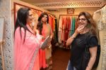 Pinky Roshan at Ushma Vaidya presented her festive collection in Dvar, Juhu, Mumbai on 7th Oct 2014 (299)_5434dbace48ca.JPG