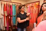 Pinky Roshan at Ushma Vaidya presented her festive collection in Dvar, Juhu, Mumbai on 7th Oct 2014 (300)_5434dbb162527.JPG