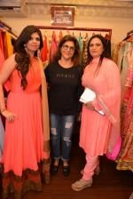 Pinky Roshan at Ushma Vaidya presented her festive collection in Dvar, Juhu, Mumbai on 7th Oct 2014 (303)_5434dbc2dee01.JPG