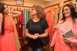 Pinky Roshan at Ushma Vaidya presented her festive collection in Dvar, Juhu, Mumbai on 7th Oct 2014 (306)_5434dbd488291.JPG