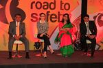 Karisma Kapoor and Anil Kumble promoting NDTV_s campaign, Road To Safety on 10th Oct 2014 (9)_543918a4e50db.JPG