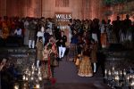 Rohit Bal Show at grand finale of Wills at Qutub Minar, Delhi on 12th Oct 2014 (466)_543b6f963a34d.JPG