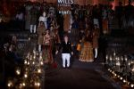 Rohit Bal Show at grand finale of Wills at Qutub Minar, Delhi on 12th Oct 2014 (470)_543b6f9aa9b94.JPG