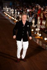Rohit Bal Show at grand finale of Wills at Qutub Minar, Delhi on 12th Oct 2014 (482)_543b6fa2b313e.JPG