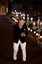Rohit Bal Show at grand finale of Wills at Qutub Minar, Delhi on 12th Oct 2014 (483)_543b6fa36d274.JPG