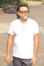 Rakesh mehra vote in Mumbai on 15th Oct 2014 (16)_544107a4c1fea.JPG