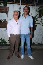 Rohan Sippy, Ramesh Sippy at Sonali Cable screening in Sunny Super Sound, Mumbai on 15th Oct 2014 (43)_54410a0e47bed.JPG