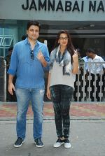 Sonali Bendre, Goldie Behl vote in Mumbai on 15th Oct 2014 (141)_544108053e09f.JPG