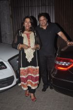 Anu Ranjan, Sashi Ranjan snapped in Juhu at A private Diwali Bash in Mumbai on 18th Oct 2014 (5)_5443c2acf1a7a.JPG