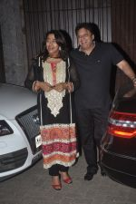Anu Ranjan, Sashi Ranjan snapped in Juhu at A private Diwali Bash in Mumbai on 18th Oct 2014 (6)_5443c292f0bfd.JPG