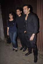 Archana Puran Singh, Parmeet Sethi snapped in Juhu at A private Diwali Bash in Mumbai on 18th Oct 2014 (18)_5443c2bf528a0.JPG