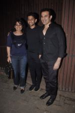 Archana Puran Singh, Parmeet Sethi snapped in Juhu at A private Diwali Bash in Mumbai on 18th Oct 2014 (21)_5443c2de967d2.JPG