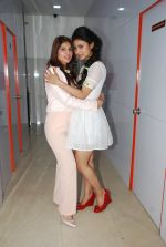 Mouni Roy at Ruby_s skin clinic in Andheri, Mumbai on 17th Oct 2014 (3)_54439ded35cc9.JPG