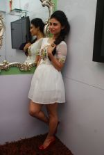 Mouni Roy at Ruby_s skin clinic in Andheri, Mumbai on 17th Oct 2014 (6)_54439df112f9f.JPG