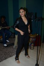Thai singer Ann Mitchai Bollywood album launch in Universal Music Office, Bandra on 18th Oct 2014 (18)_54439e871265d.JPG