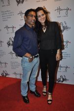 Tulip Joshi, Vinod Nayar at Harry_s launch in Mumbai on 17th Oct 2014 (49)_54439ee4cbf36.JPG