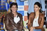 Shahrukh Khan, Deepika Padukone at Mad Over Donuts - Happy New Year contest winners meet in Mumbai on 19th Oct 2014 (48)_54450b796fa02.JPG