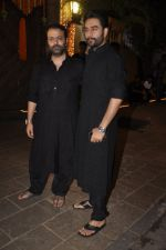 Shekhar Ravjiani at Amitabh Bachchan and family celebrate Diwali in style on 23rd Oct 2014