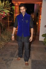Shabbir Ahluwalia at Sachiin Joshi_s Diwali bash in Mumbai on 24th Oct 2014 (70)_544b90e1ef07f.JPG