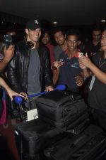 James Marsden arrives in India on 28th Oct 2014 (22)_545093bd1cc58.JPG