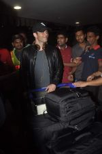 James Marsden arrives in India on 28th Oct 2014 (18)_545093ba26554.JPG