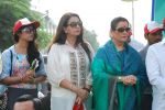 Poonam Dhillon, Poonam Sinha at Swacch Bharat campaign in MMRDA on 28th Oct 2014 (10)_545093582baee.JPG